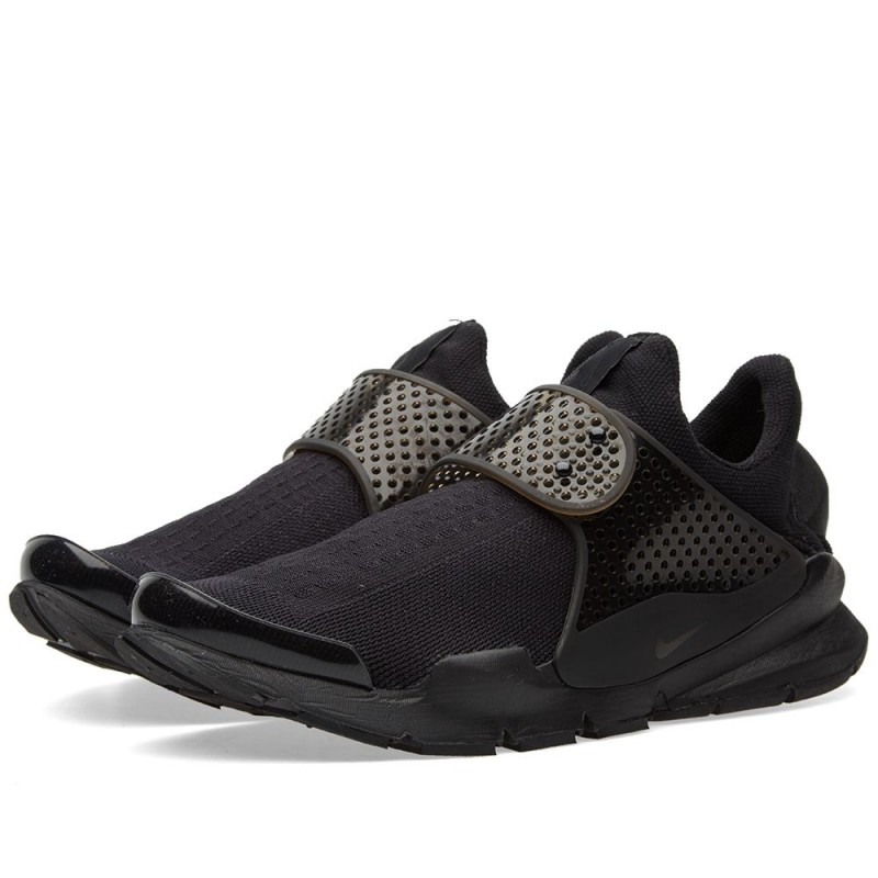 "Nike Sock Dart ""Triple Black"" 819686-001"
